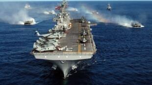 L'USS Kearsarge s'apprêtait à entrer en Méditerranée, le 2 mars 2011.